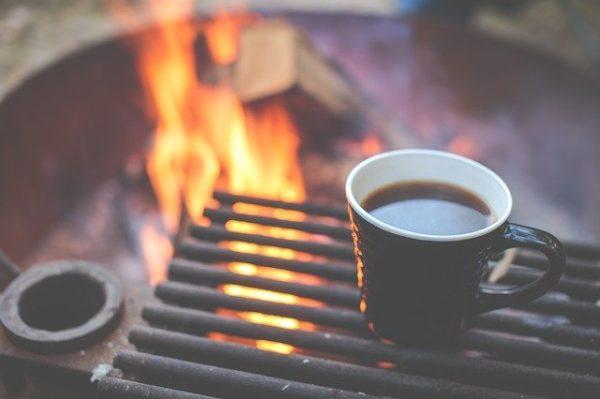 キャンプ場でコーヒー