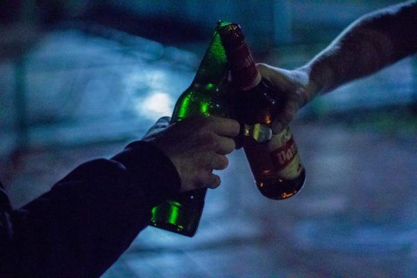 乾杯をする