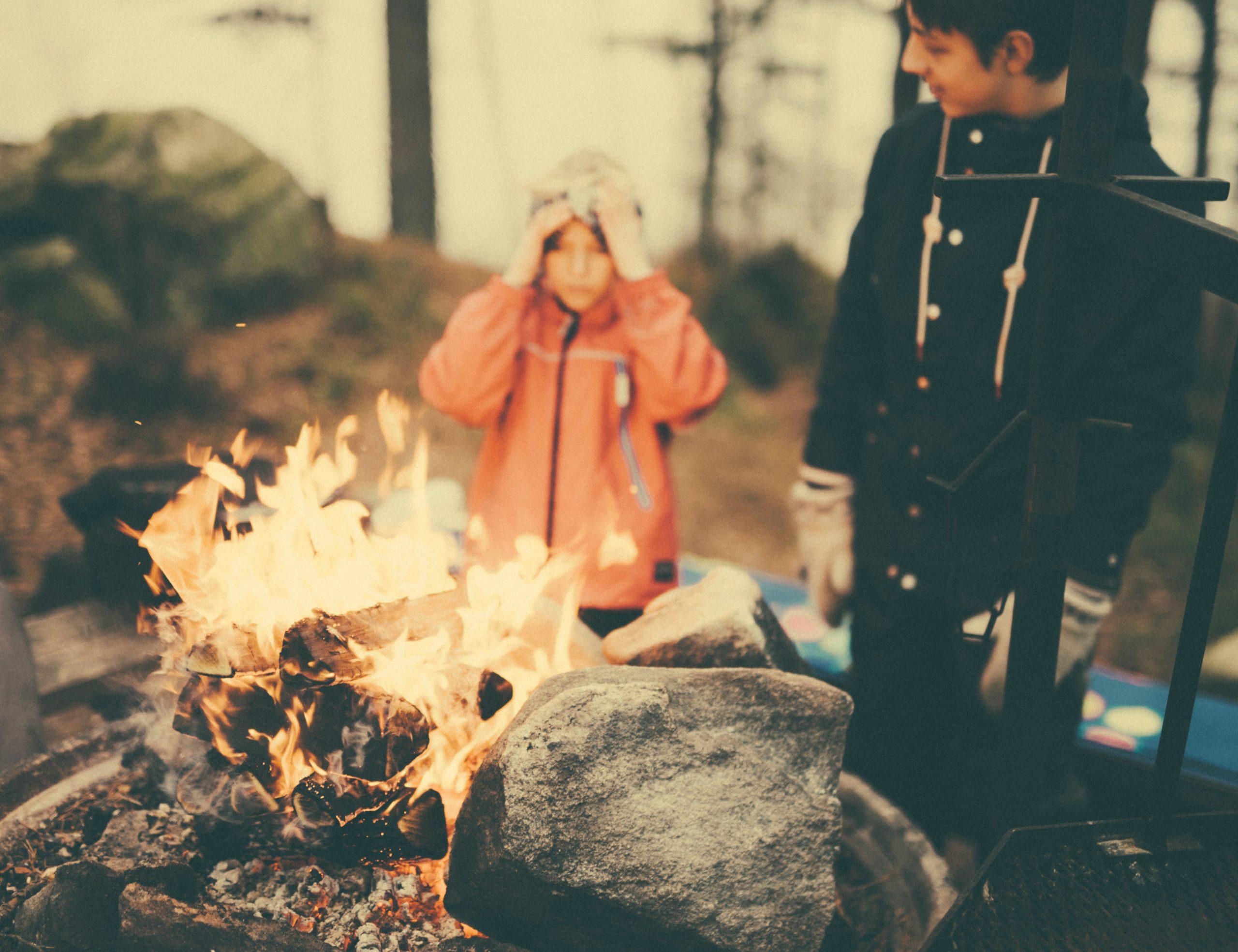 キャンプ 炎