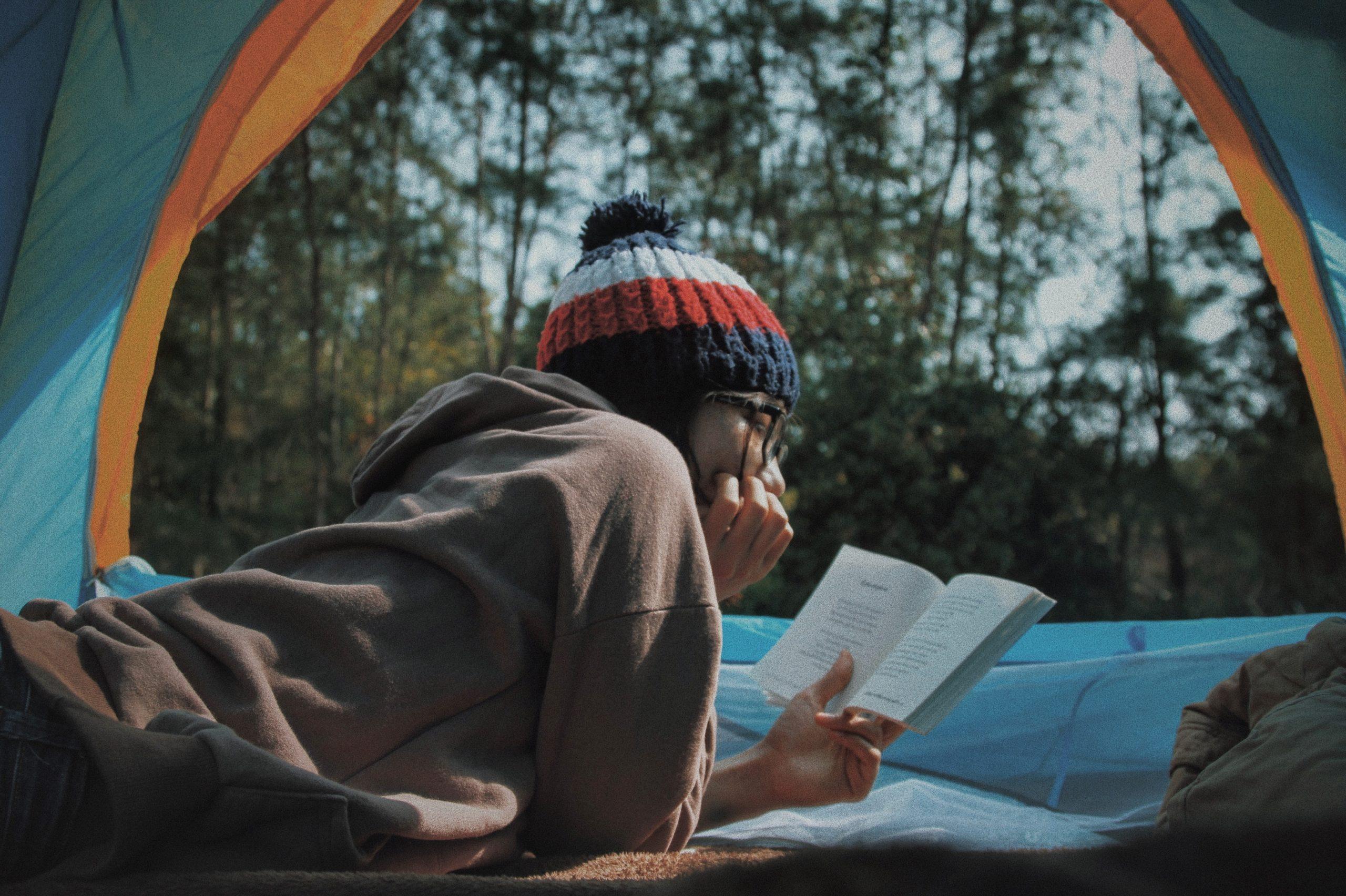 キャンプ 読書