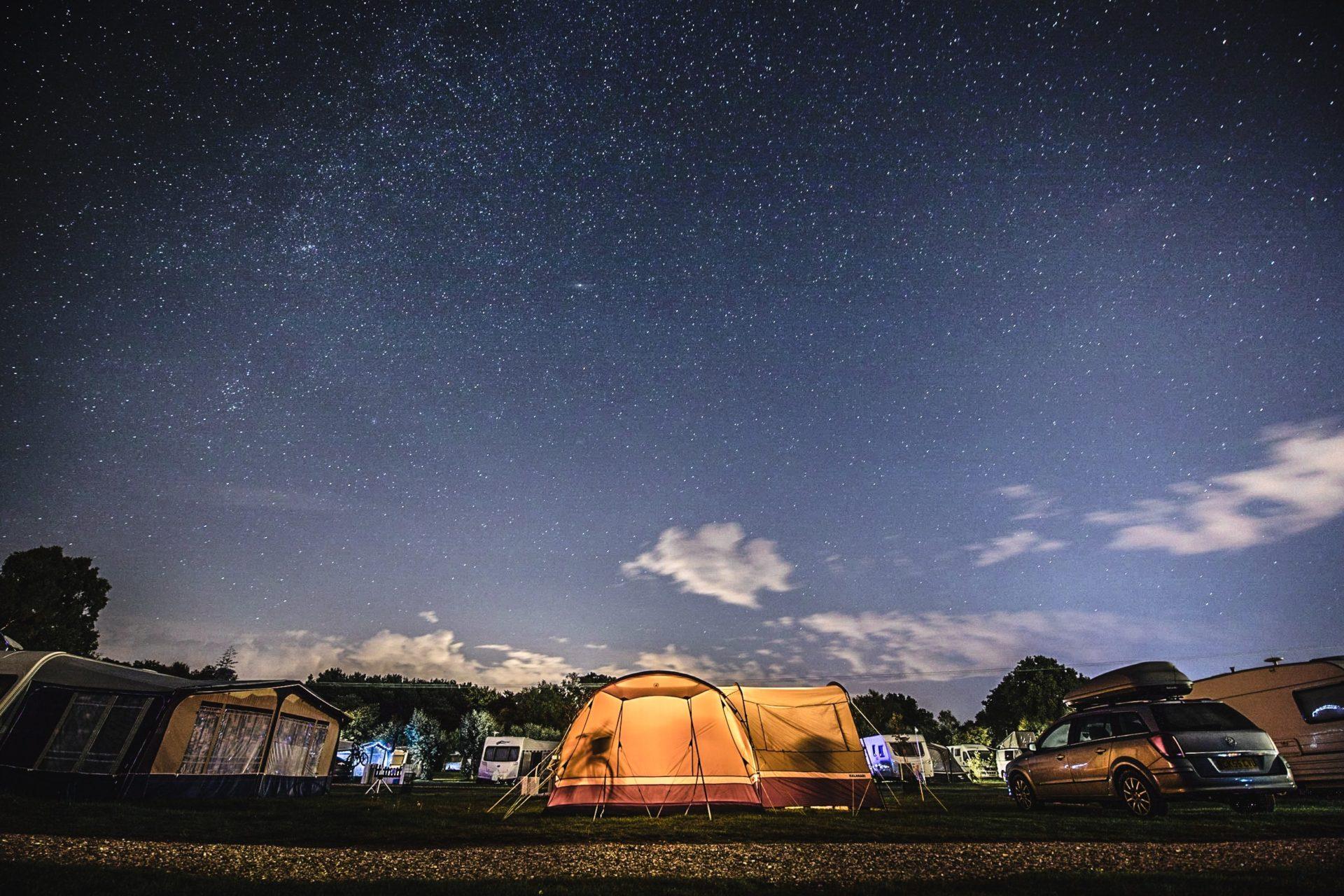 キャンプの夜空