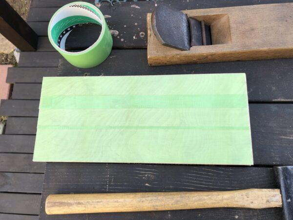 表面の傷を防ぐ養生テープ