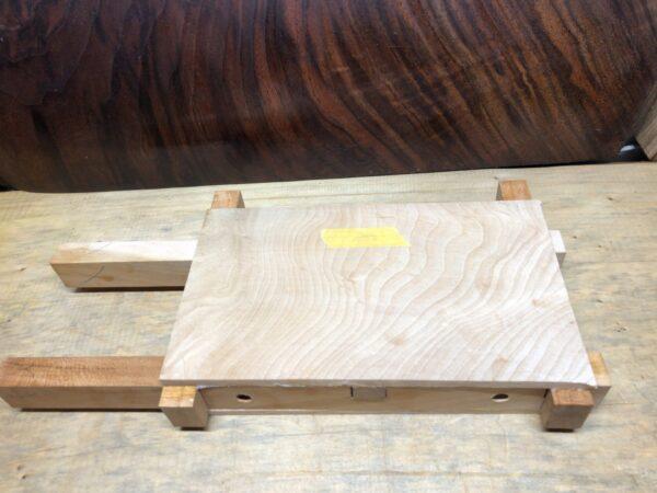 接着した面材と枠材1