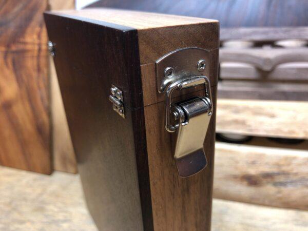 コーヒーケースのパッチン錠